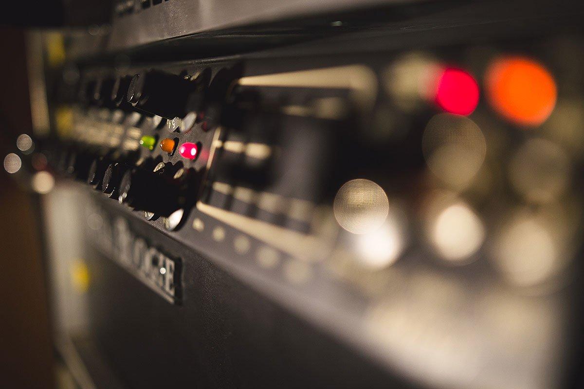 מגבר גיטרה : אולפן הקלטות : אולפני הקלטות - אולפני סטורם