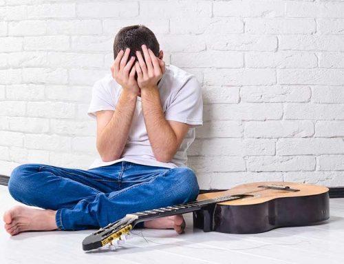גיטריסטים הנה 4 טעויות שתוקעות אתכם